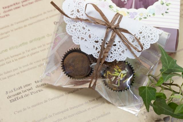バレンタインで友チョコを簡単なものって?大量の時は?ラッピングは?